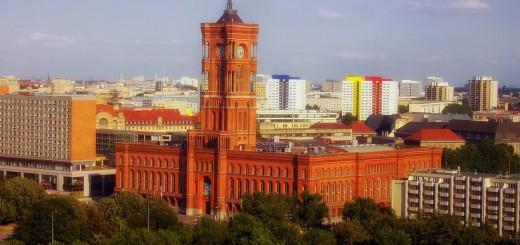 red-city-hall-300983_1280